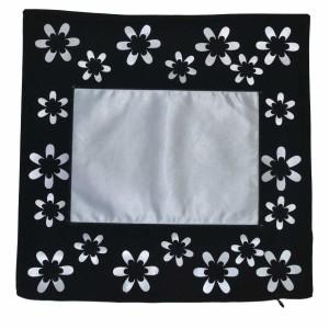- Çiçekli Siyah Yastık Kılıfı