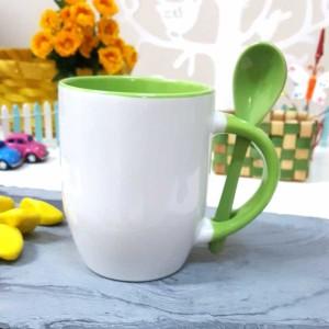 - Yeşil Kaşıklı Kupa Bardak