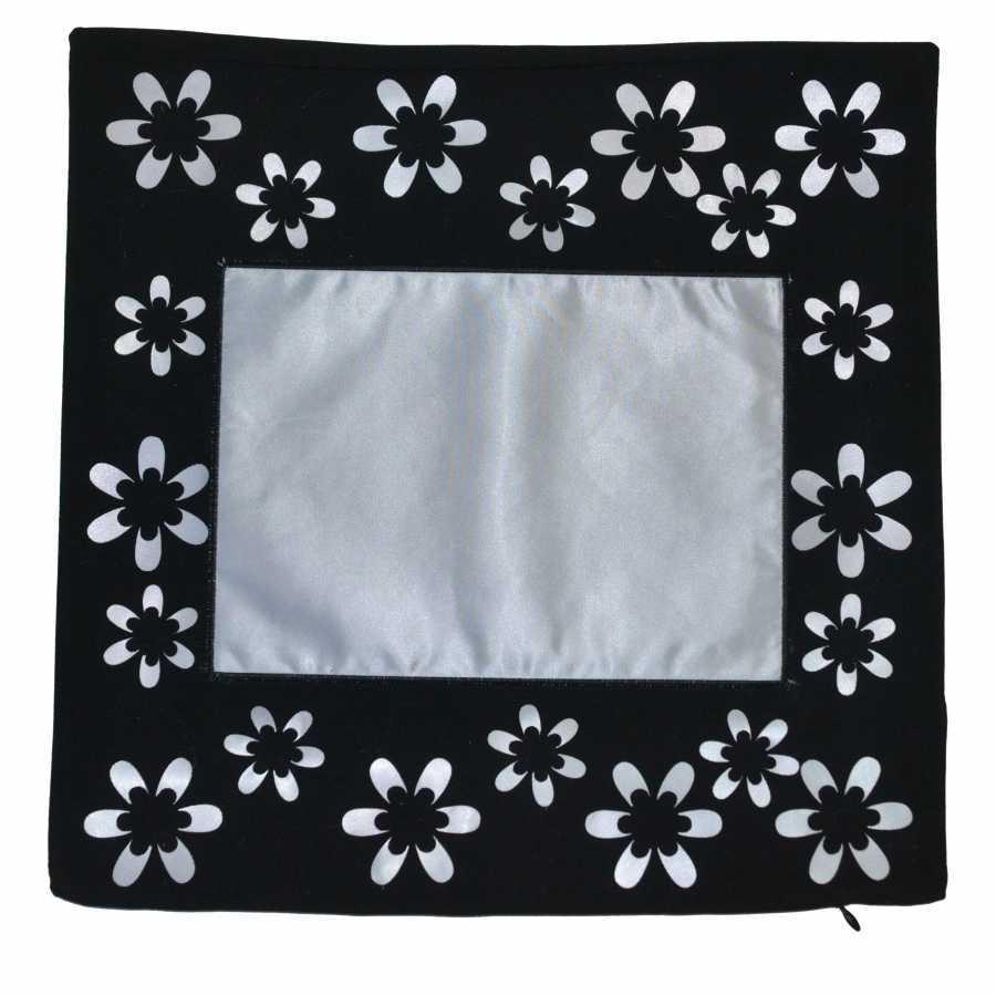 Çiçekli Siyah Yastık Kılıfı