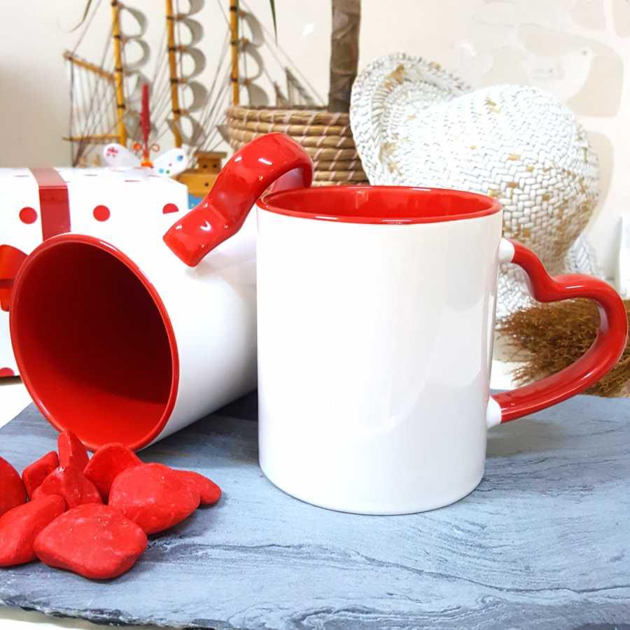 İçi Ve Sapı Kırmızı Kalpli Kupa Bardak