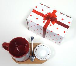 - Kırmızı Motifli Kupa Ahşap Altlık+Çerezlik Set (1)